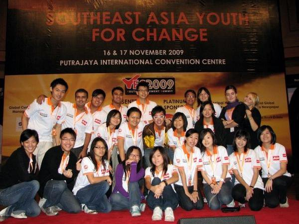 With the volunteers of Youth Engagement Summit 2009 (YES2009)
