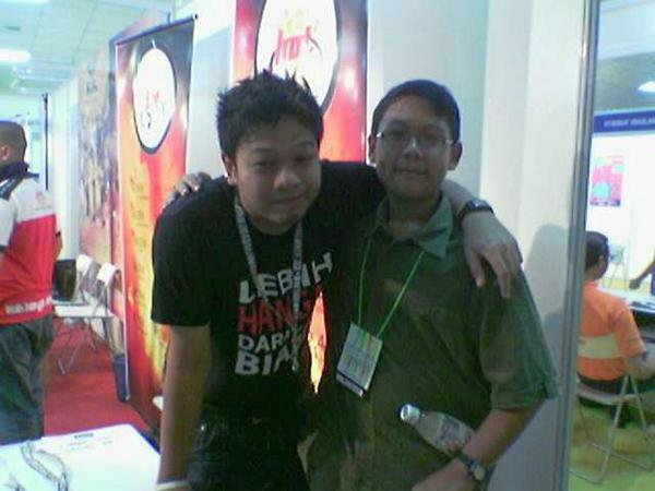 With Hot FM (MY) deejay - Ikhwan at YOUTH'09